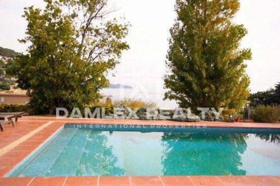 Maison / Villa avec 5 chambres, terrain 1700m2, a vendre á Blanes, Costa Brava