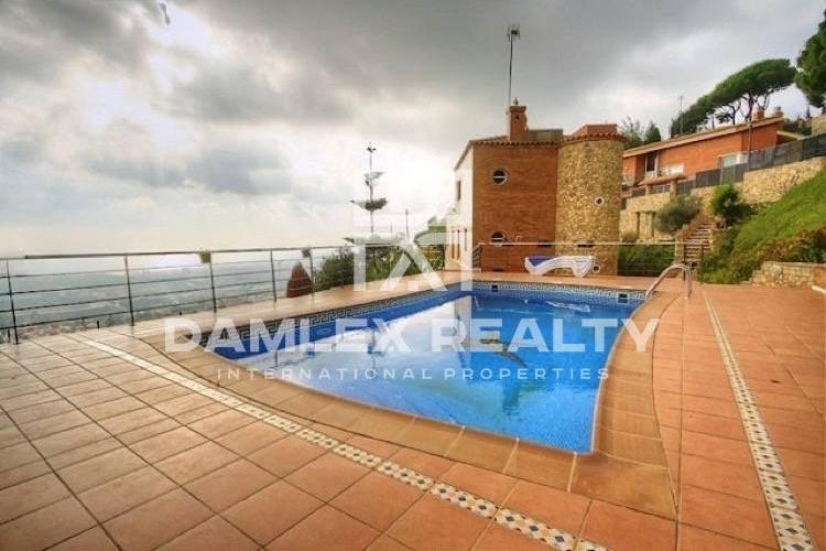 Maison / Villa avec 5 chambres, terrain 5000m2, a vendre á Alella, Côte Nord de Barcelone