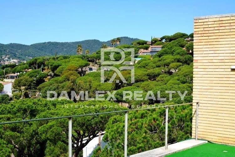 Maison / Villa avec 5 chambres, terrain 1200m2, a vendre á Cabrils, Côte Nord de Barcelone