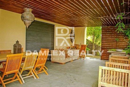 Maison / Villa avec 4 chambres, terrain 860m2, a vendre á Blanes, Costa Brava
