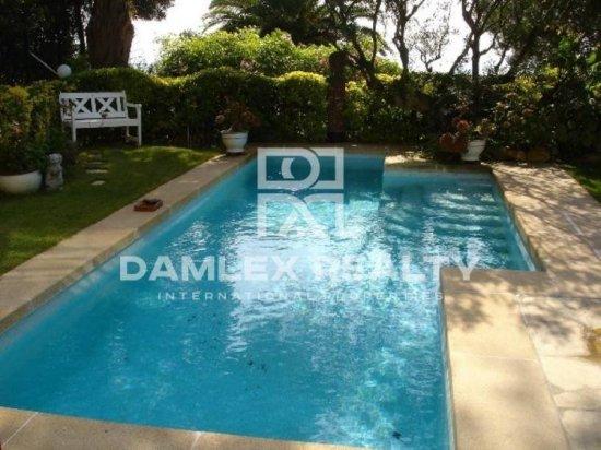 Maison / Villa avec 5 chambres, terrain 850m2, a vendre á Blanes, Costa Brava
