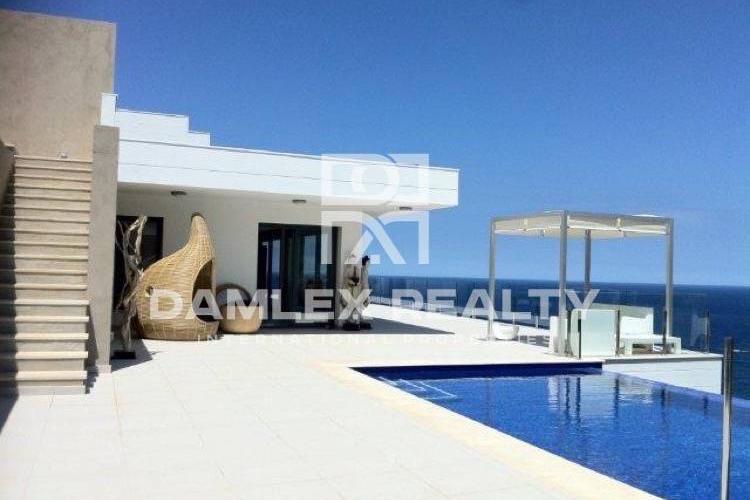 Maison / Villa avec 6 chambres, terrain 1680m2, a vendre á Begur, Costa Brava