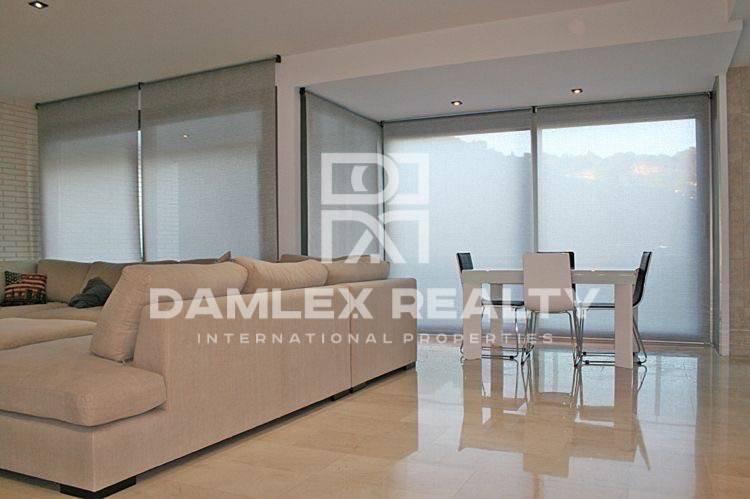 Maison / Villa avec 4 chambres, terrain 1200m2, a vendre á Blanes, Costa Brava