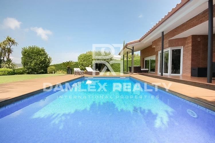 "Maison / Villa avec 4 chambres, terrain 800m2, a vendre á Sant Feliu de Guixols / S""Agaro, Costa Brava"