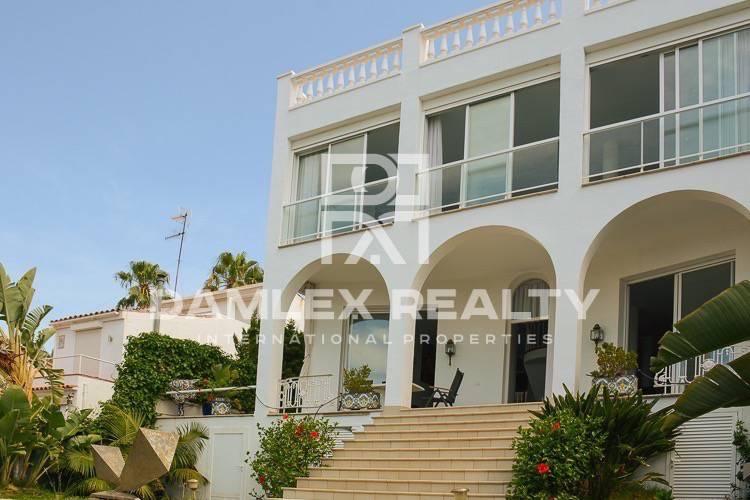 Maison / Villa avec 3 chambres, terrain 680m2, a vendre á Sitges, Côte sud de Barcelone