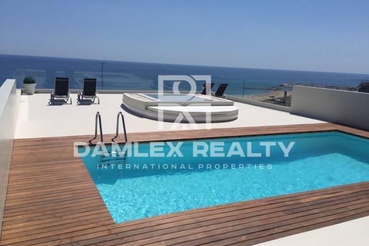 Maison / Villa avec 8 chambres, terrain 1800m2, a vendre á Castelldefels , Côte sud de Barcelone