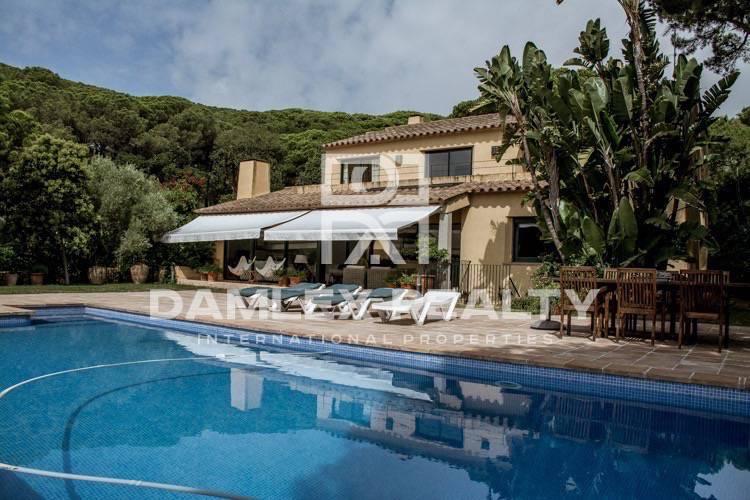 Maison / Villa avec 4 chambres, terrain 1400m2, a vendre á Lloret de Mar, Costa Brava