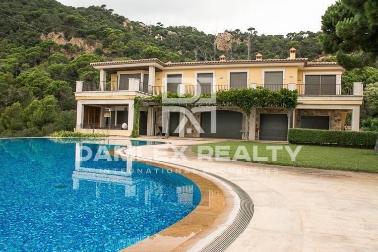 "Maison / Villa avec 11 chambres, terrain 2500m2, a vendre á Sant Feliu de Guixols / S""Agaro, Costa Brava"