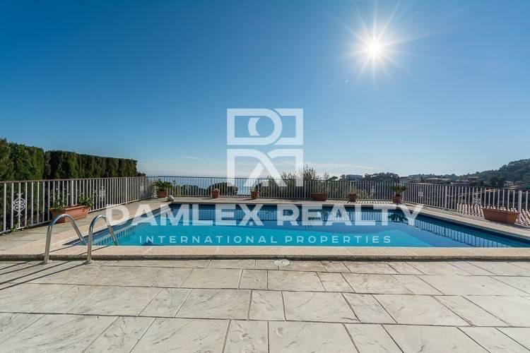 Maison / Villa avec 3 chambres, terrain 1200m2, a vendre á Tossa de Mar, Costa Brava