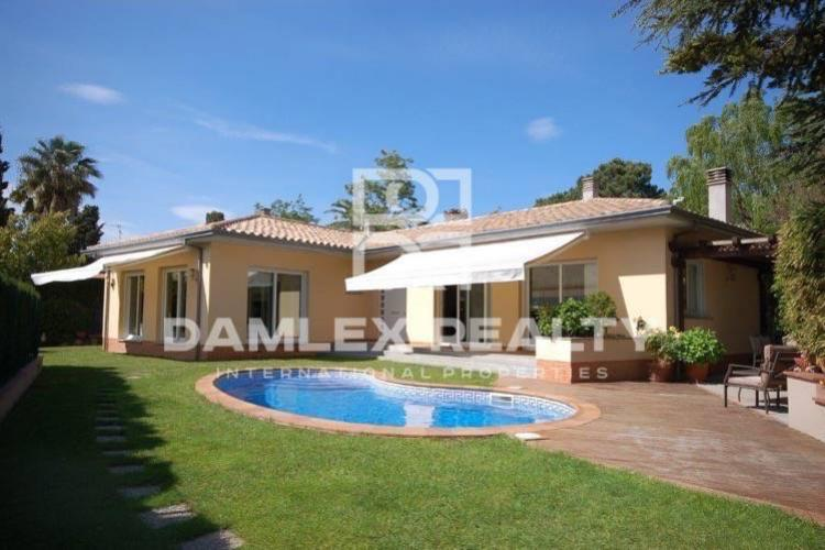 Maison / Villa avec 4 chambres, terrain 883m2, a vendre á Sant Feliu de Guixols, Costa Brava