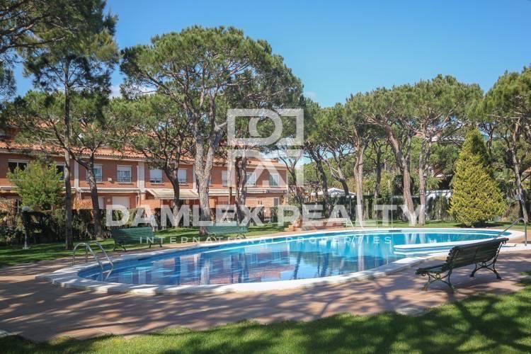 Maison / Villa avec 4 chambres, terrain m2, a vendre á Gava, Côte sud de Barcelone