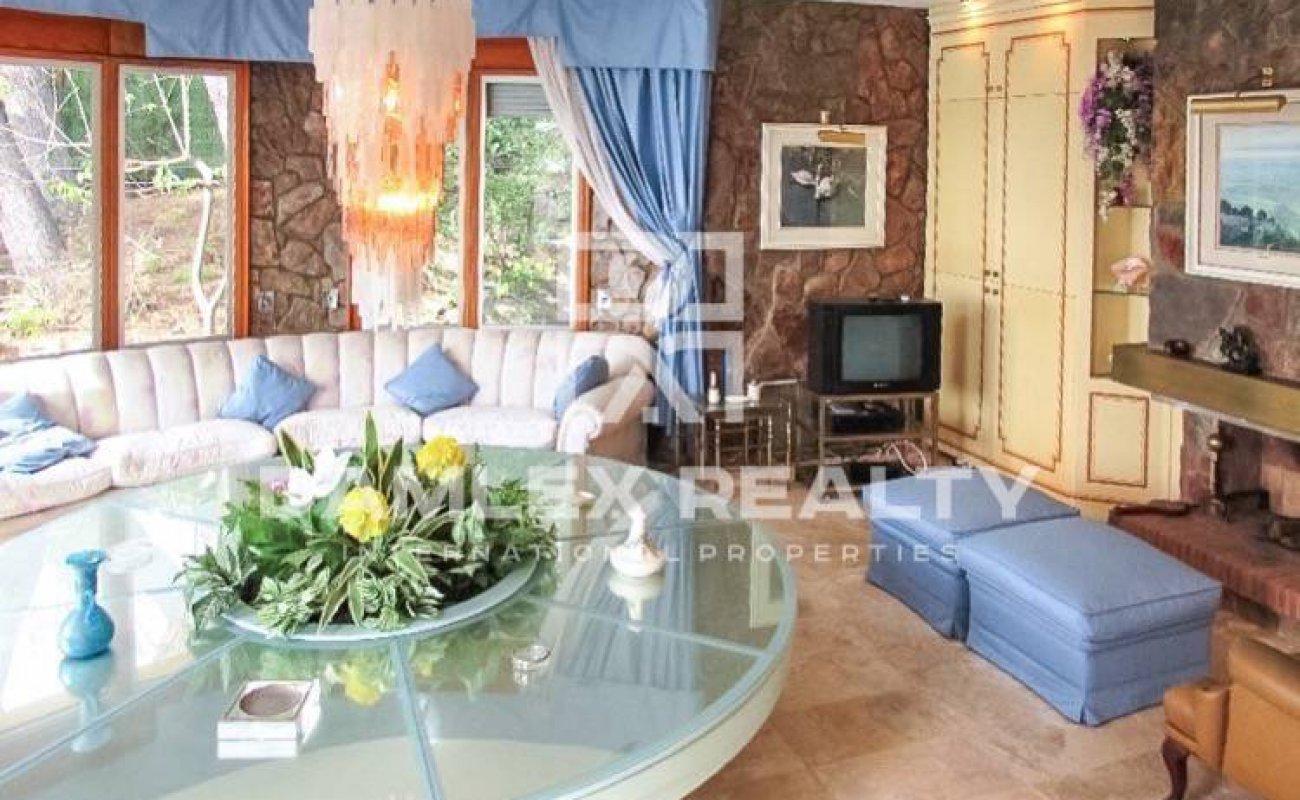 Maison / Villa avec 4 chambres, terrain 1625m2, a vendre á Blanes, Costa Brava