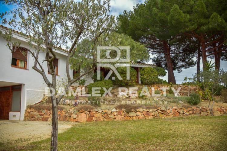Maison / Villa avec 5 chambres, terrain 1180m2, a vendre á San Vicente de Montalt, Côte Nord de Barcelone