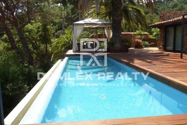 Maison / Villa avec 5 chambres, terrain 1450m2, a vendre á Tossa de Mar, Costa Brava