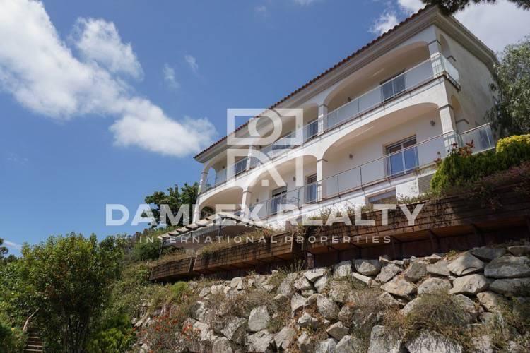 Maison / Villa avec 4 chambres, terrain 1148m2, a vendre á Premia de Dalt, Côte Nord de Barcelone