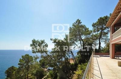 Maison / Villa avec 4 chambres, terrain 500m2, a vendre á Lloret de Mar, Costa Brava