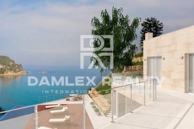 Maison / Villa avec 6 chambres, terrain 3075m2, a vendre á Tossa de Mar, Costa Brava