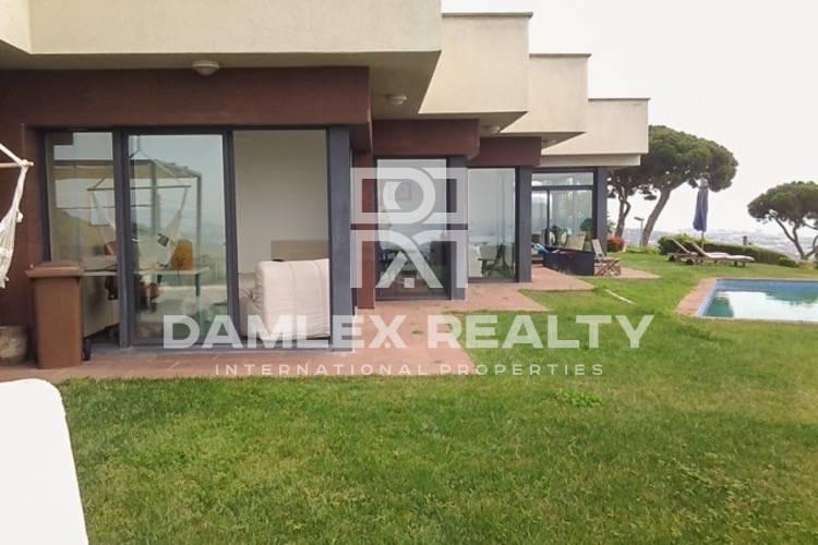 Maison / Villa avec 4 chambres, terrain 1300m2, a vendre á Premia de Dalt, Côte Nord de Barcelone