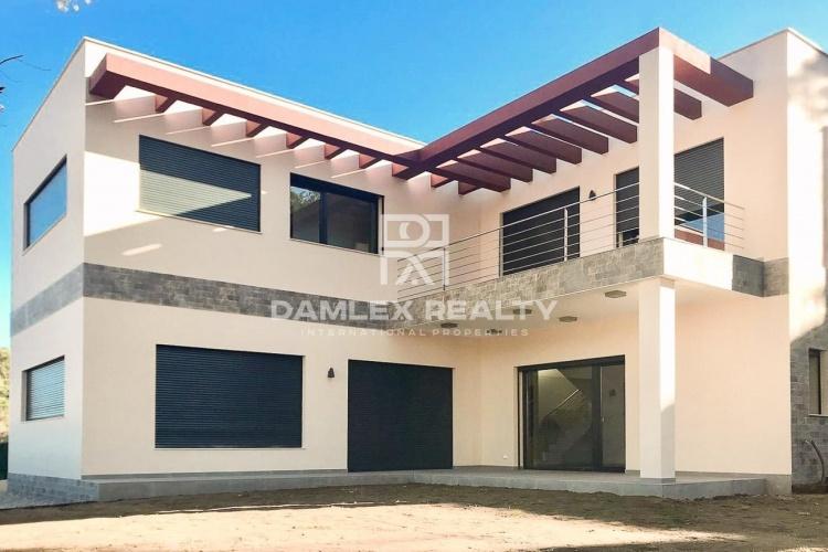 "Maison / Villa avec 3 chambres, terrain 388m2, a vendre á Sant Feliu de Guixols / S""Agaro, Costa Brava"