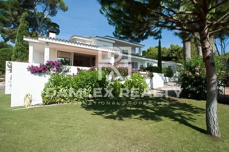 Villa en première ligne de mer avec vues spectaculaires