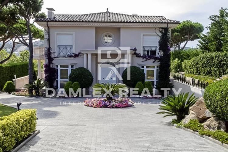 "Maison / Villa avec 5 chambres, terrain 2580m2, a vendre á S""Agaró, Costa Brava"