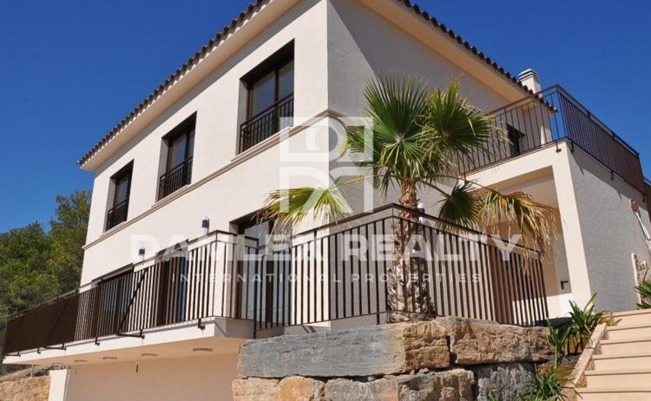 Villa moderne avec vues mer