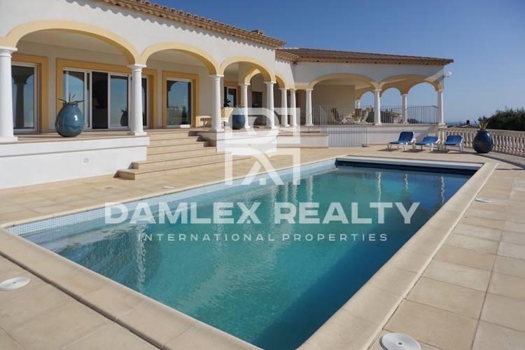 """Maison / Villa avec 6 chambres, terrain 4000m2, a vendre á Platja d""""Aro, Costa Brava"""