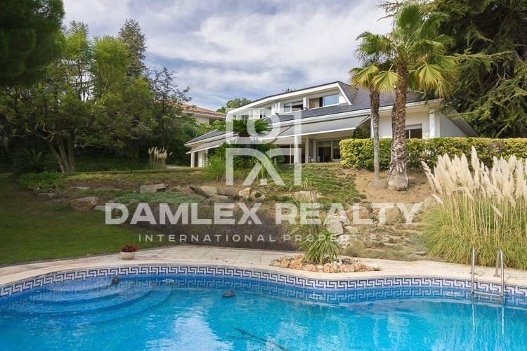 Maison / Villa avec 5 chambres, terrain 2336m2, a vendre á San Vicente de Montalt, Côte Nord de Barcelone