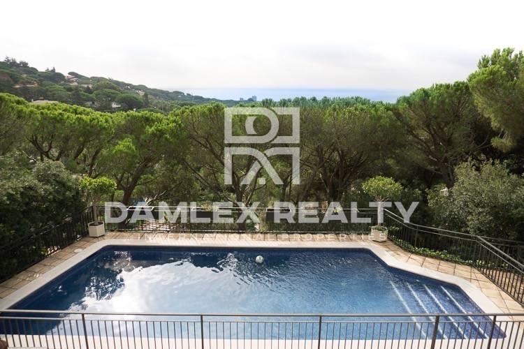 Maison / Villa avec 6 chambres, terrain 2421m2, a vendre á Cabrils, Côte Nord de Barcelone