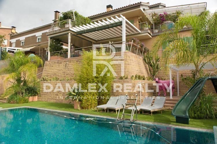 Maison / Villa avec 4 chambres, terrain 840m2, a vendre á Alella, Côte Nord de Barcelone