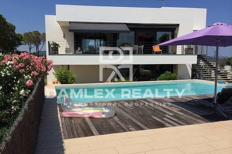 Maison / Villa avec 6 chambres, terrain 1000m2, a vendre á Calonge, Costa Brava