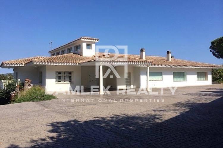 Maison / Villa avec 5 chambres, terrain 5500m2, a vendre á Calonge, Costa Brava