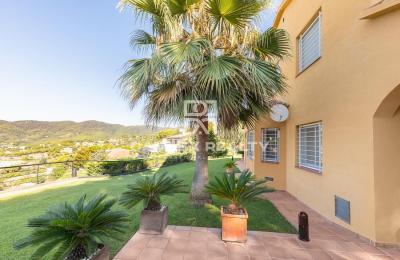 Maison / Villa avec 4 chambres, terrain 1032m2, a vendre á Cabrils, Côte Nord de Barcelone