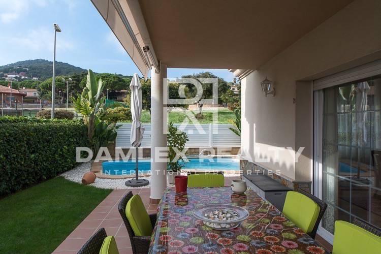 Maison / Villa avec 6 chambres, terrain 474m2, a vendre á Vilassar de Dalt, Côte Nord de Barcelone