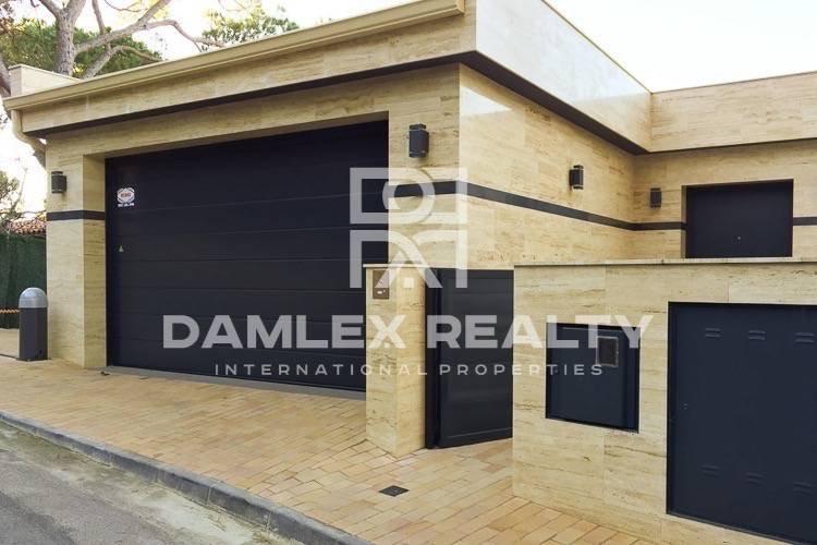 Maison / Villa avec 6 chambres, terrain 766m2, a vendre á Lloret de Mar, Costa Brava