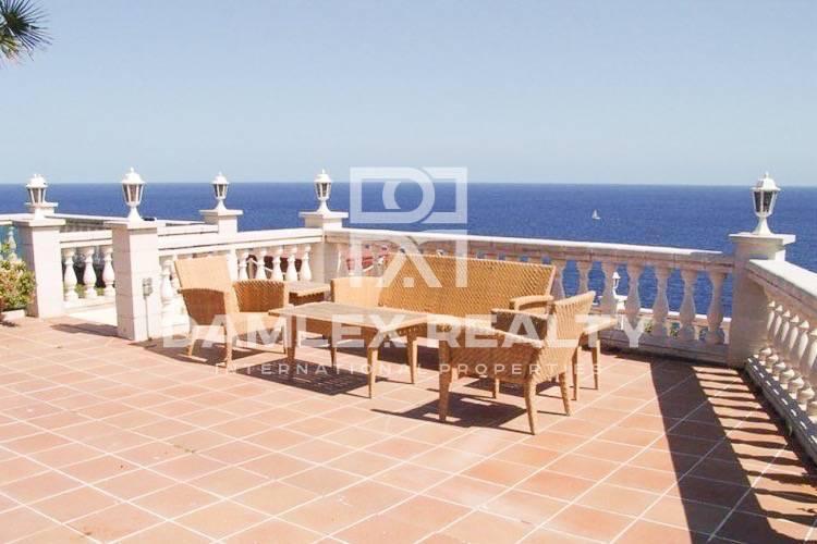 Maison / Villa avec 5 chambres, terrain 1740m2, a vendre á Lloret de Mar, Costa Brava