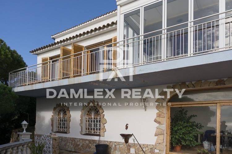 Maison / Villa avec 3 chambres, terrain 1433m2, a vendre á Tossa de Mar, Costa Brava