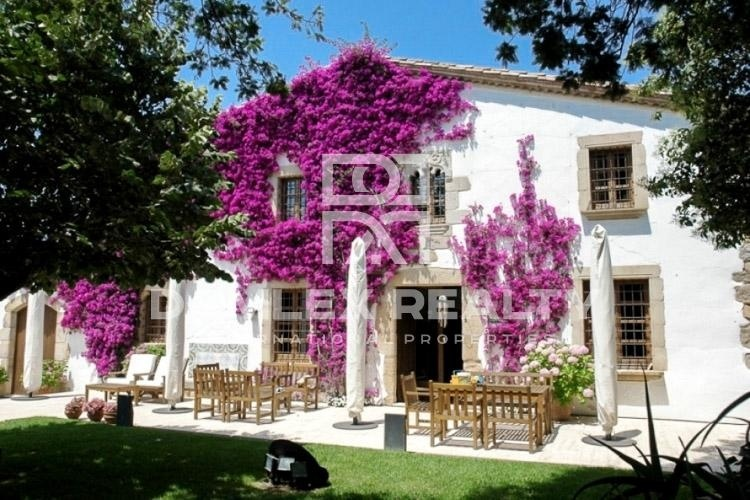 "Maison / Villa avec 5 chambres, terrain 1784m2, a vendre á Sant Feliu de Guixols / S""Agaro, Costa Brava"