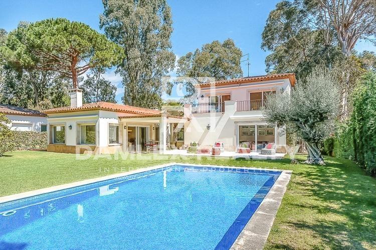 "Maison / Villa avec 5 chambres, terrain 1400m2, a vendre á S""Agaró, Costa Brava"