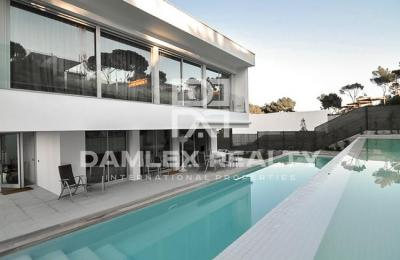 Maison / Villa avec 3 chambres, terrain 1000m2, a vendre á Calonge, Costa Brava