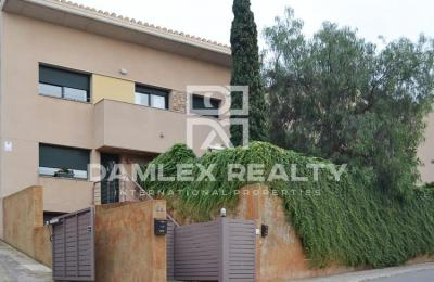Maison / Villa avec  chambres, terrain m2, a vendre á Tossa de Mar, Costa Brava