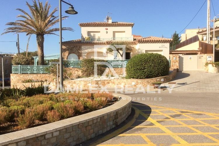 Maison / Villa avec 5 chambres, terrain 460m2, a vendre á Sant Feliu de Guixols, Costa Brava