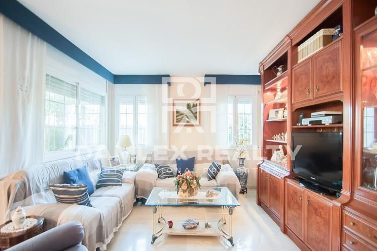 Maison / Villa avec 4 chambres, terrain 50m2, a vendre á Premia de Dalt, Côte Nord de Barcelone