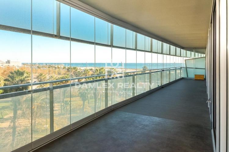Appartement avec 4 chambres a vendre á Barcelone dans les zones près de la mer, Barcelone-Appartement