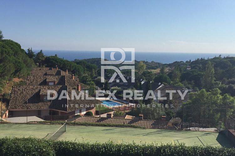 Maison / Villa avec 7 chambres, terrain 700m2, a vendre á San Vicente de Montalt, Côte Nord de Barcelone