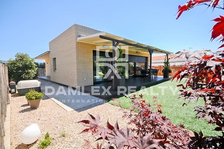 Maison / Villa avec 2 chambres, terrain 426m2, a vendre á Autres zones, Costa Brava