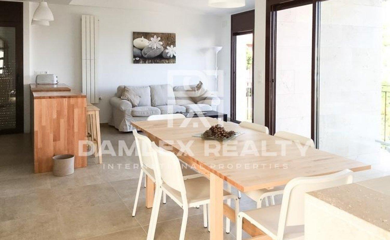Maison / Villa avec 4 chambres, terrain 600m2, a vendre á Lloret de Mar, Costa Brava