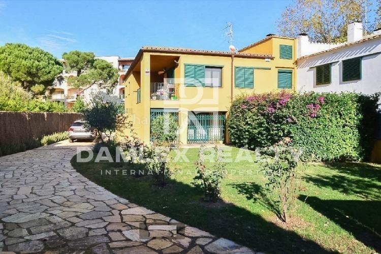 "Maison / Villa avec 4 chambres, terrain 500m2, a vendre á Sant Feliu de Guixols / S""Agaro, Costa Brava"
