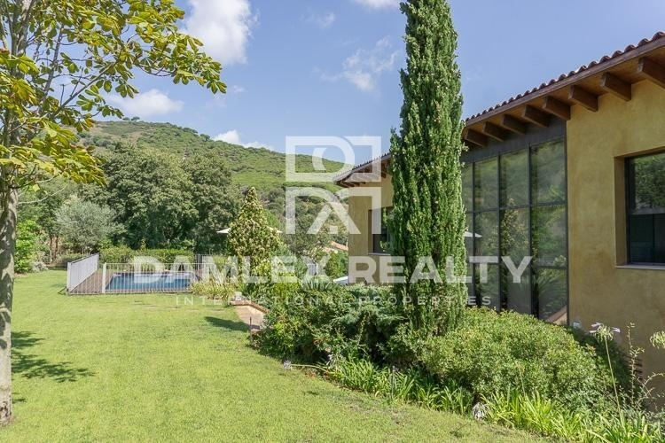 Maison / Villa avec 4 chambres, terrain 2000m2, a vendre á Cabrils / Cabrera de Mar / Mataró, Côte Nord de Barcelone