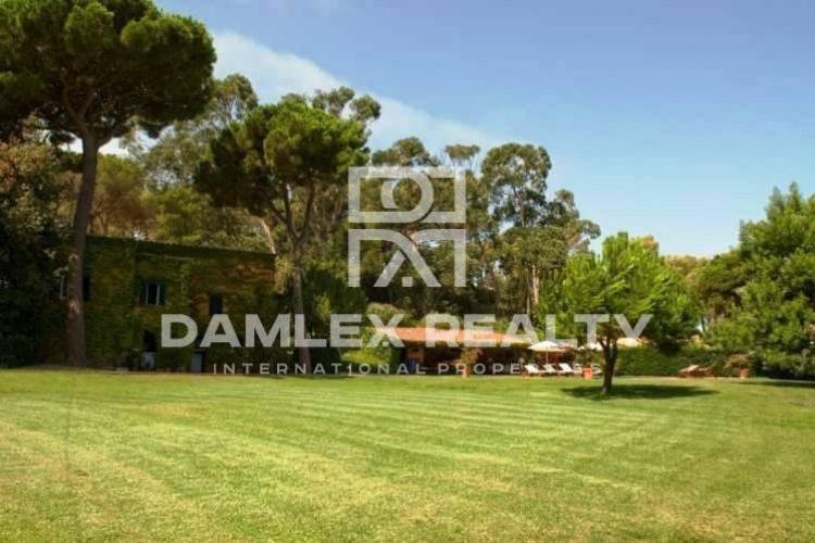 Maison / Villa avec  chambres, terrain 6500m2, a vendre á Lloret de Mar, Costa Brava